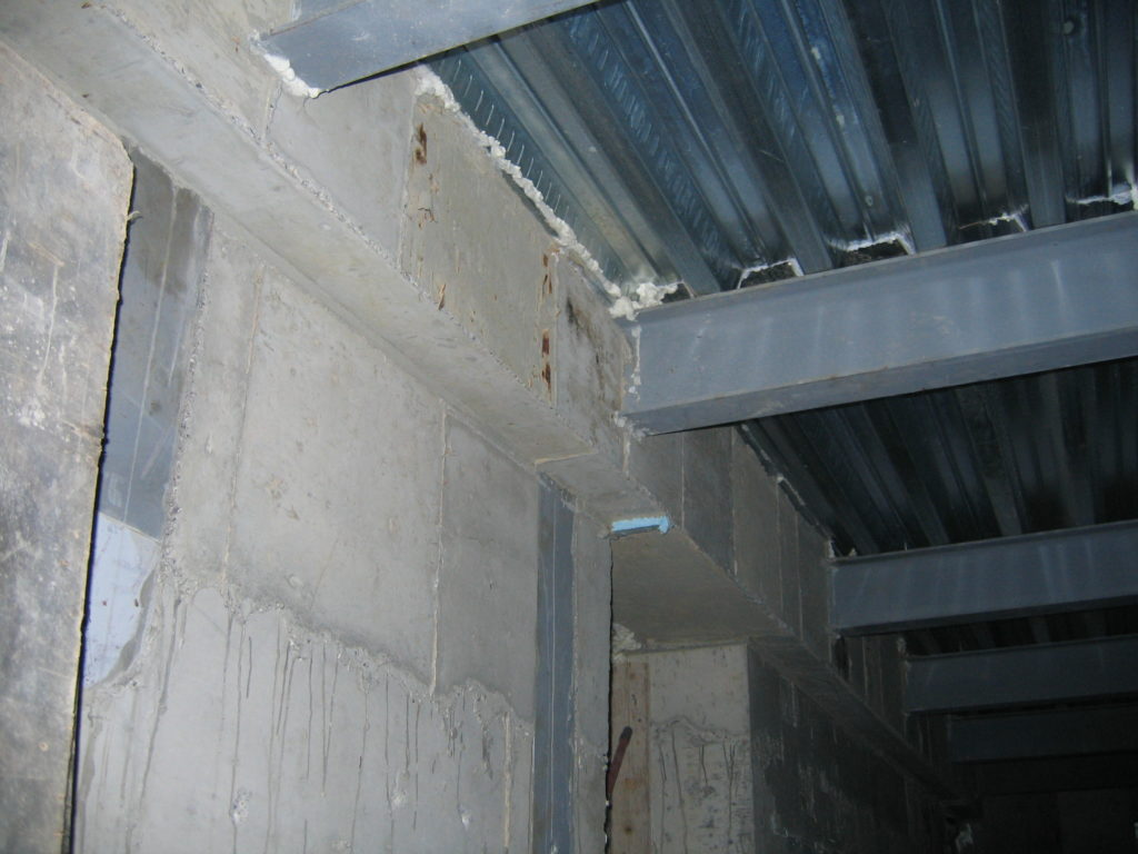 ανακαίνιση παλαιάς κατοικίας ενίσχυση τοίχων