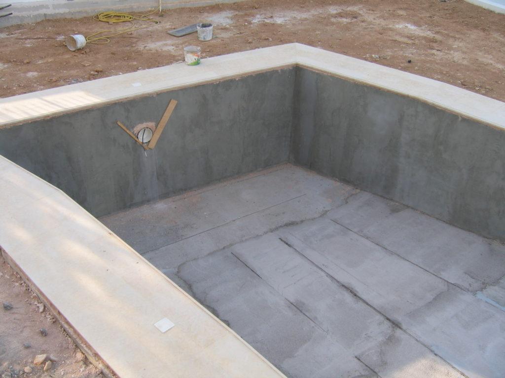 Κατασκευή πισίνας με άδεια δόμησης