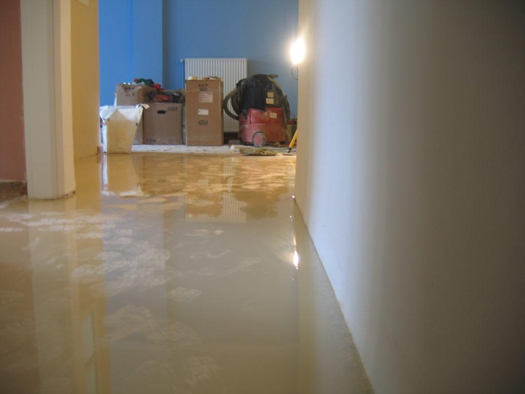 Ανακαινίσεις κατοικιών-σπιτιού εποξειδικό δάπεδο