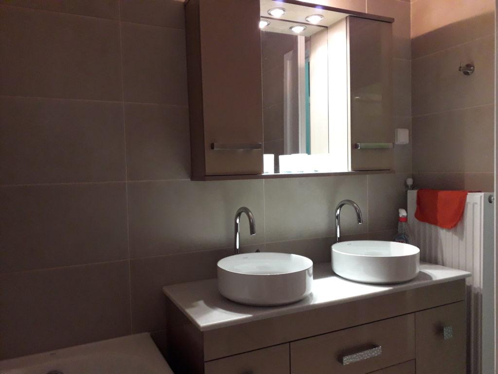 Ανακαίνιση παλαιάς κατοικίας ανακαίνιση μπάνιου