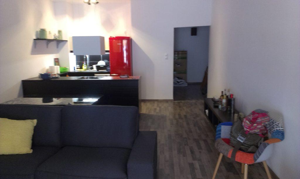 Ανακαινίσεις κατοικιών-σπιτιού μικρή κουζίνα