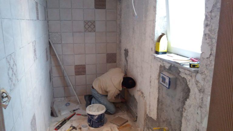 Ανακαίνιση μπάνιου σε υδραυλικά και πλακάκια